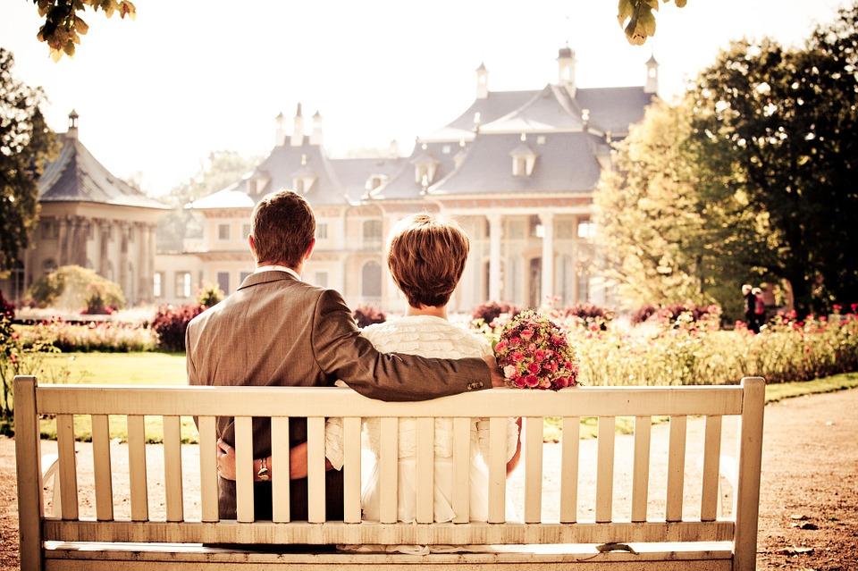 Preferenza Le frasi più belle per i 50 anni di matrimonio | Guida Eventi Italiani LP14