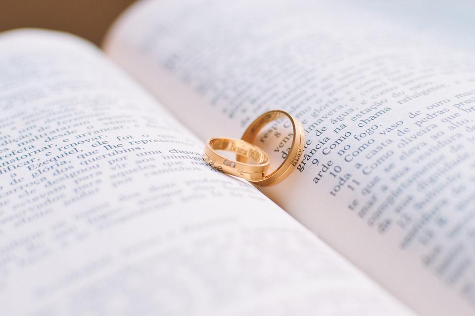 Frasi Matrimonio Non Banali.Le Frasi Piu Belle Per I 50 Anni Di Matrimonio Guida Eventi Italiani